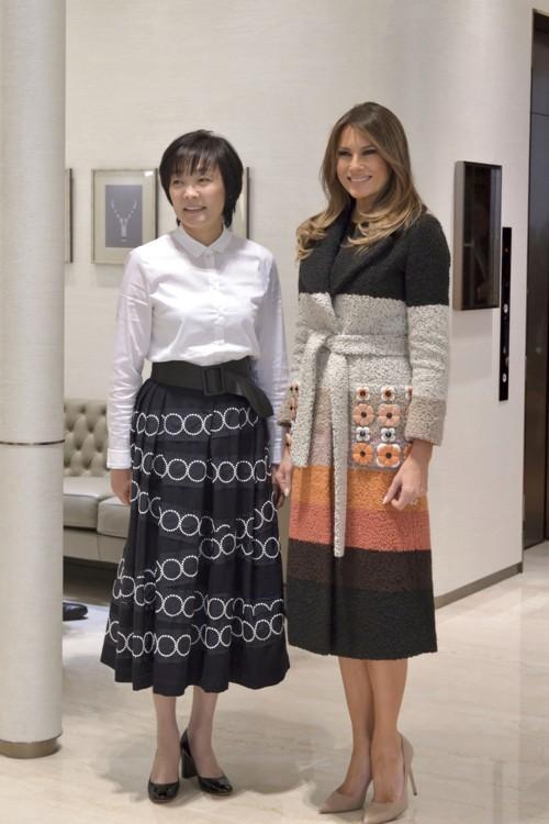 Мелания Трамп в пальто Fendi