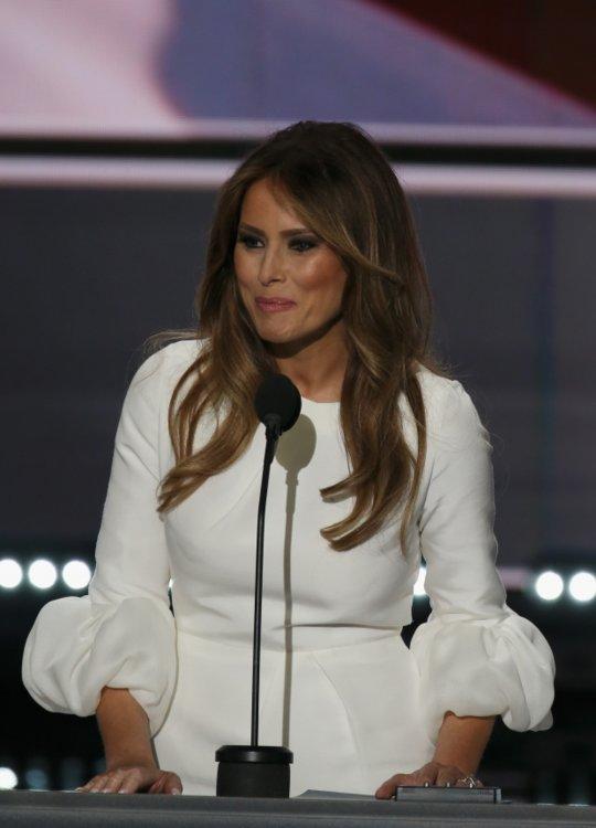 Мелания Трамп выступает на съезде Республиканской партии в Кливленде