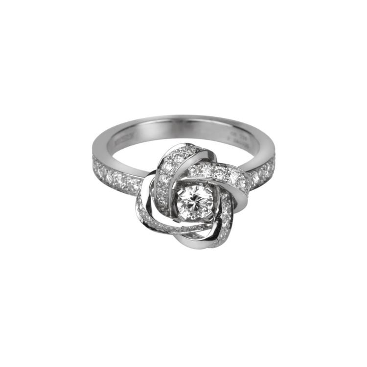 Кольцо Pivone, белое золото, бриллианты, Boucheron