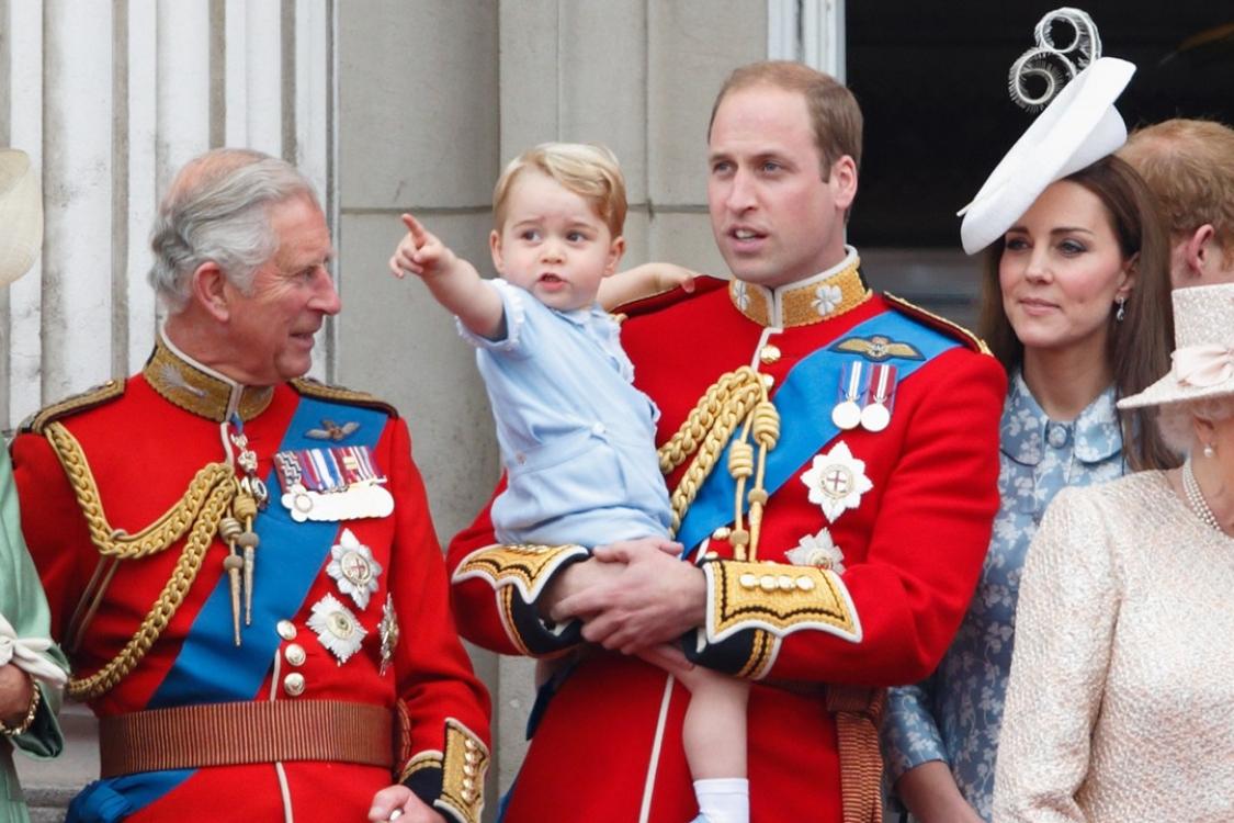 Принц Георг посетил свой первый парад Trooping The Colour, впервые появившись на балконе Букингемского дворца