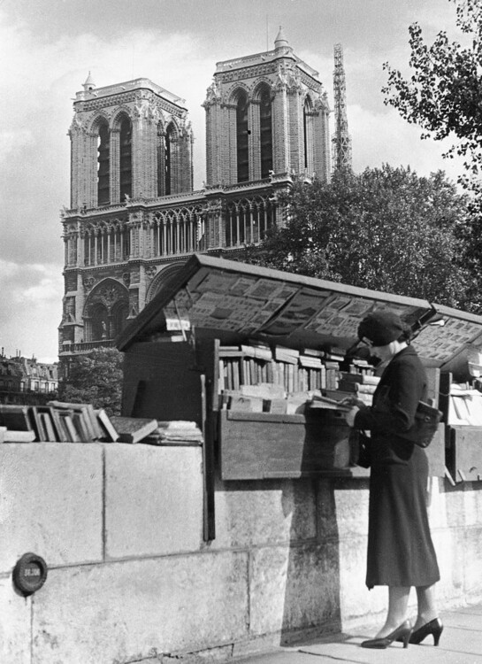 Лавка букіністів біля Нотр-Дама де Парі, 1930-і