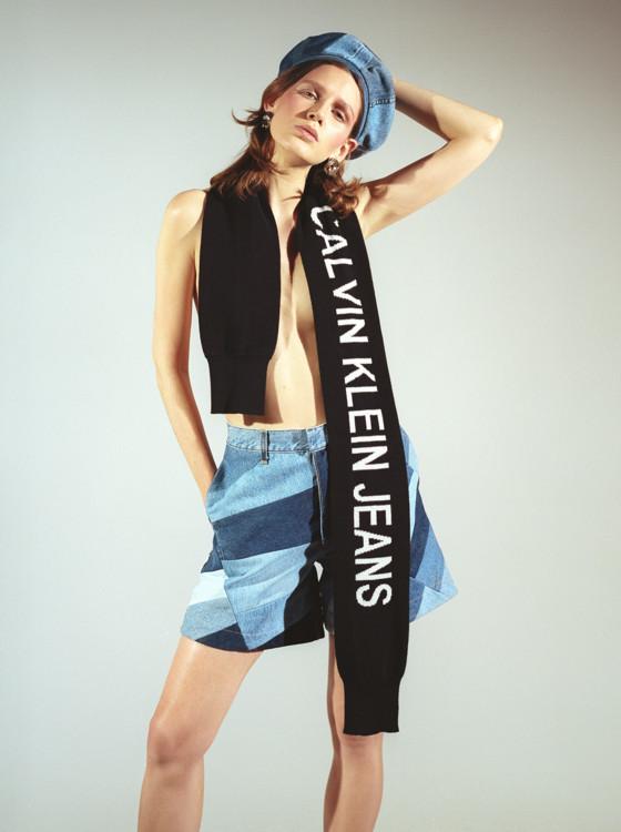 Берет и шорты - Ksenia Schnaider,  шарф - Calvin Klein,  ботинки - Dr. Martens