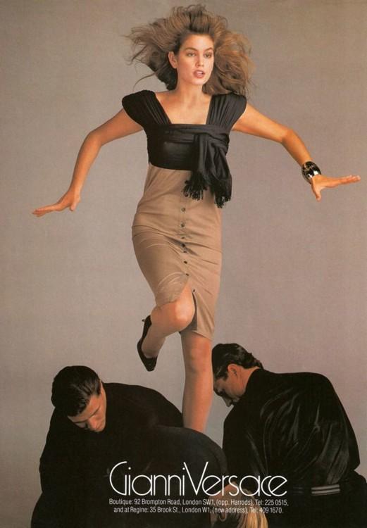 Сінді Кроуфорд для Gianni Versace, 1987