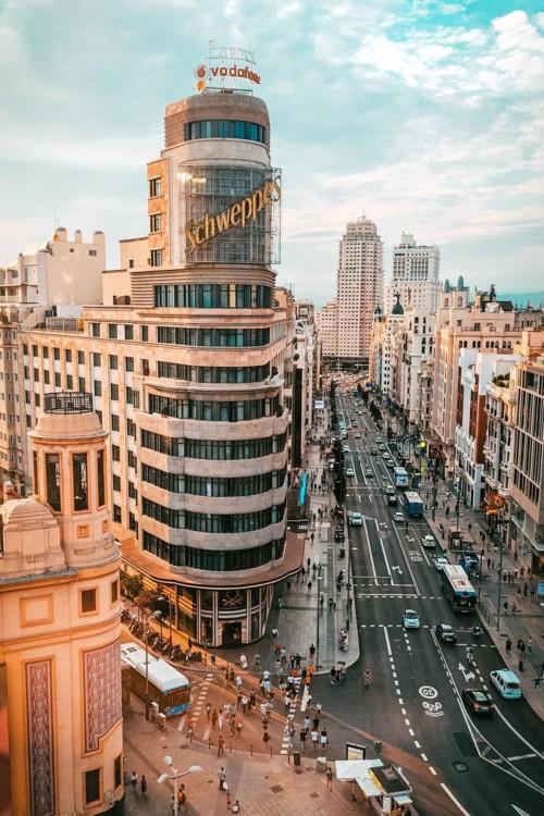 8. Мадрид, Испания. Photo: Jordi Moncasi / Unsplash