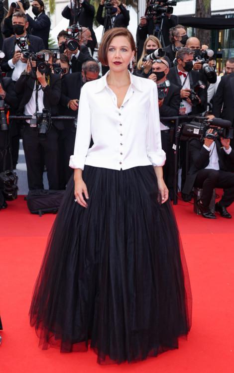 Мэгги Джилленхол в Chanel и украшениях Chopard