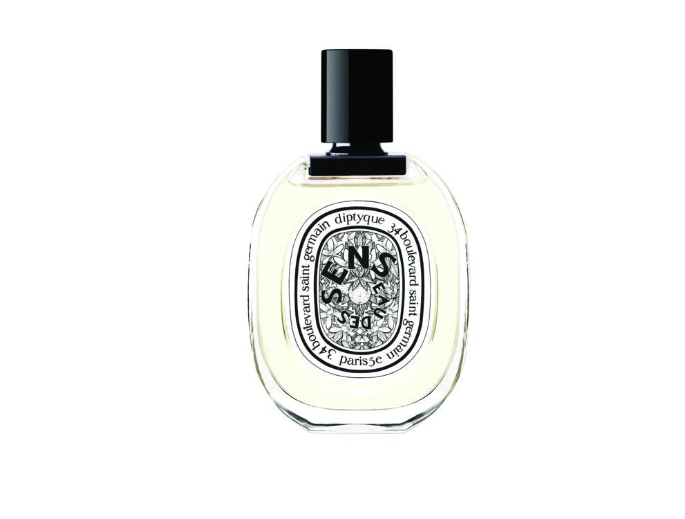 Идея аромата Eau des Sens, Diptyque – передать нежность тела и мягкость чувствительной кожи. Он звучит цитрусовыми: апельсиновым цветом и горьким апельсином, сочным нероли, ангеликой и пачули