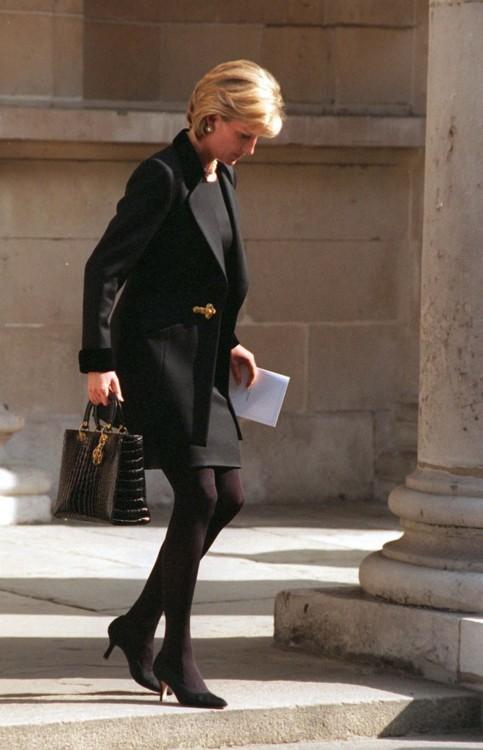 Принцесса Диана в соборе Святого Георгия в Лондоне