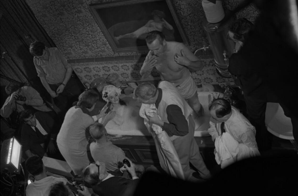 """Девід Нівен під час зйомок """"Казино Рояль"""""""