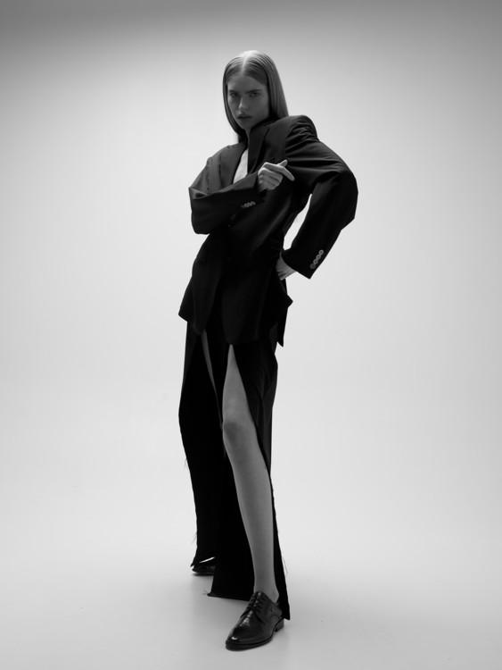 На фото: костюм Starchak