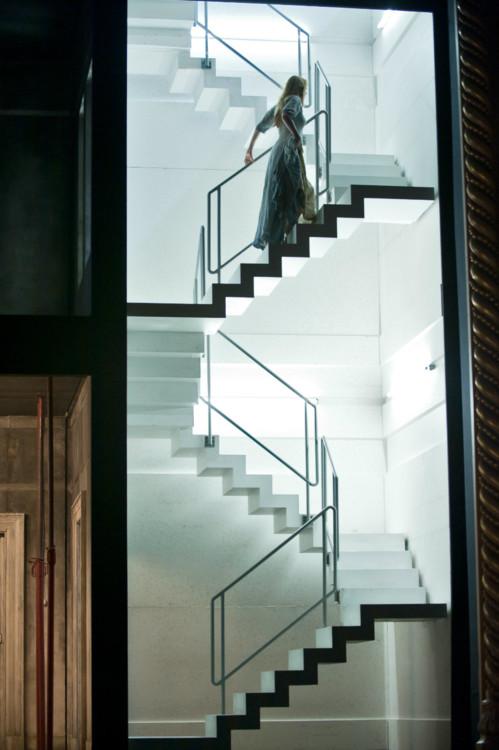 """опера """"Написано на коже"""", Королевская опера, Лондон, 2012 год"""