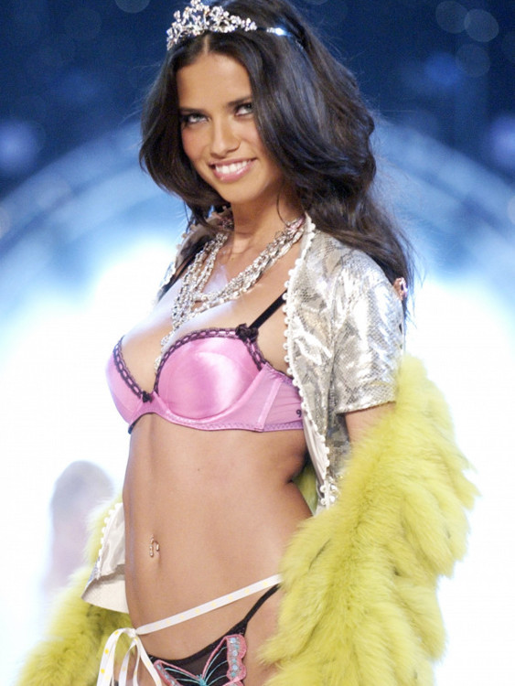 Victoria's Secret Fashion Show 2004