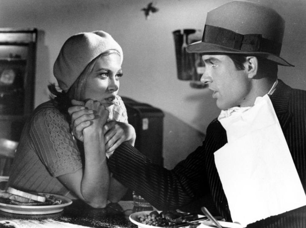 Фэй Данауэй и Уоррен Битти на съемочной площадке фильма «Бонни и Клайд», 1967