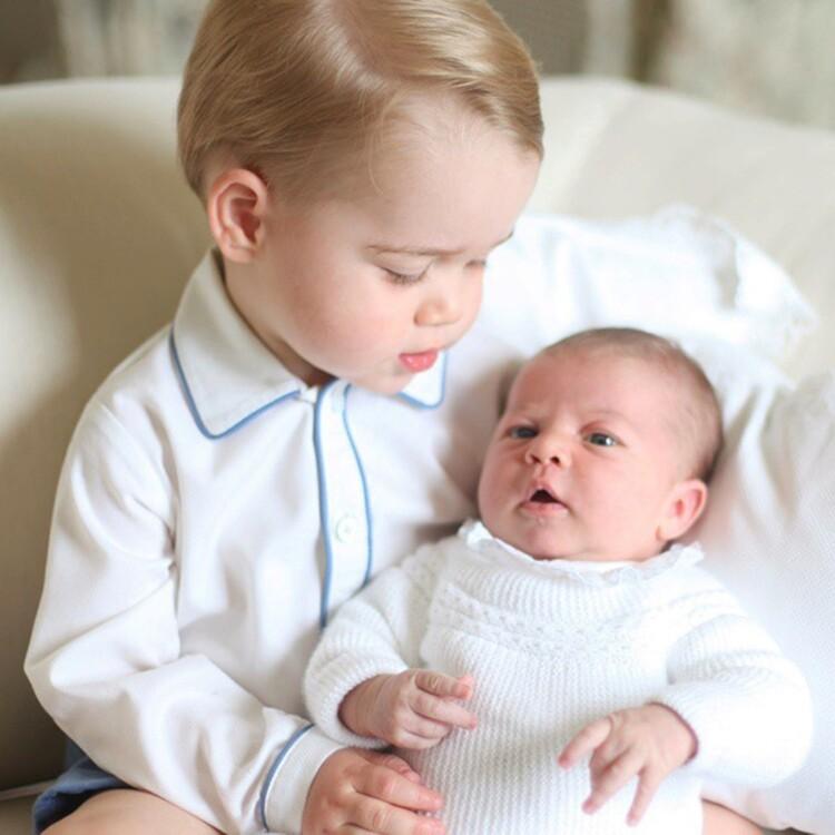 Принцеса Шарлотта Кембриджська і принц Джордж Кембриджський