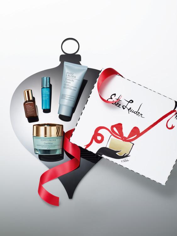 Подарочный набор для ухода за кожей Age Prevention Essentials:  многофункциональный защитный крем c антиоксидантами Day Wear, моделирующая сыворотка New Dimension, универсальный восстанавливающий комплекс II (ANR), средство 2-в-1 Perfectly Clean (пенка дл