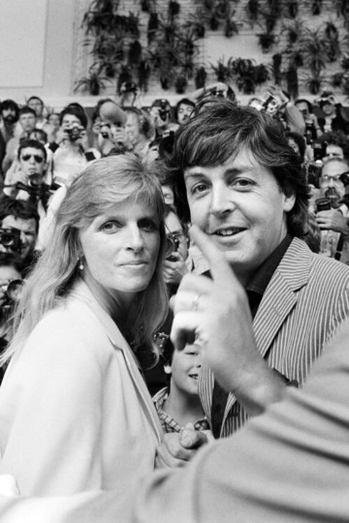 Линда и Пол Маккартни, 1980