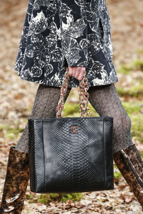 Chanel осень-зима 2018/2019