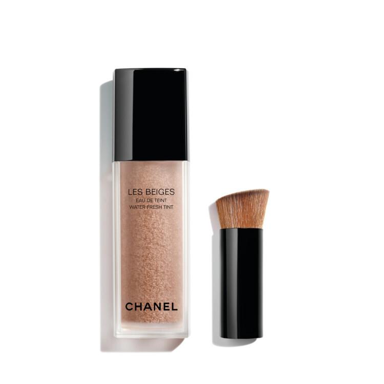 Тональный тинт Les Beiges Water Fresh Tint оттенка Medium Light, коллекция макияжа Les Beiges Summer Light Chanel
