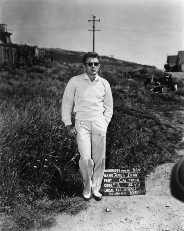 Монохромный образ Джеймса Дина. Монохром, который можно носить и летом, и осенью, - козырь вашего модного статуса.