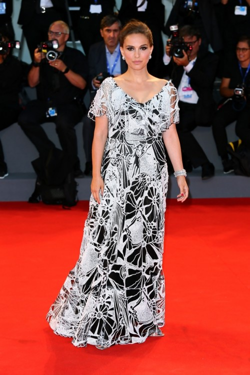 Натали Портман в платье Valentino, 2016