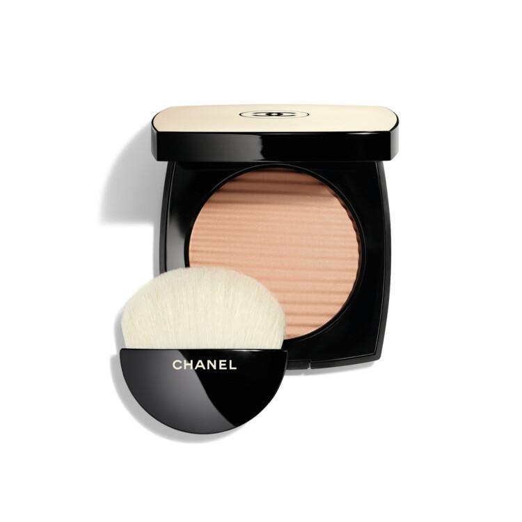 Пудра с эффектом естественного сияния кожи Les Beiges Healthy Glow Luminous Color оттенка Medium Light, Chanel
