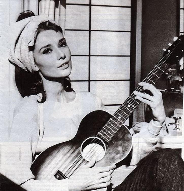 """Одрі Хепберн у фільмі """"Сніданок у Тіффані"""", 1961"""