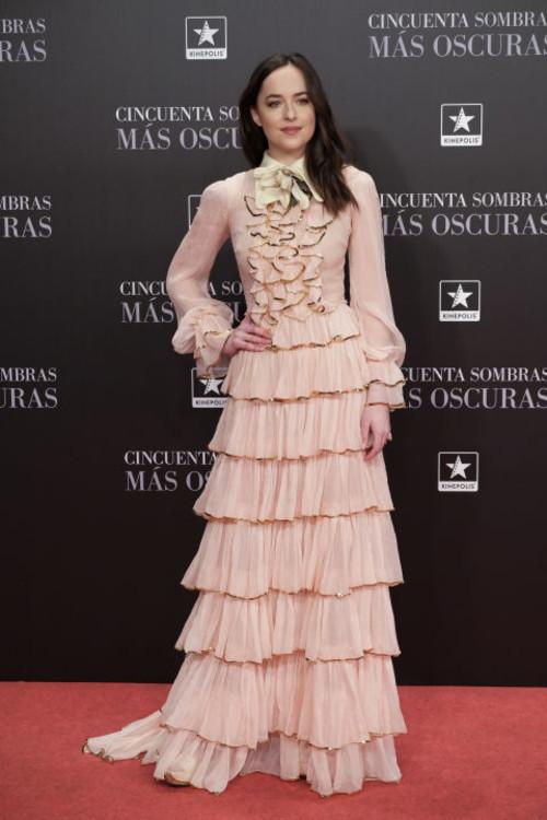 """В платье Gucci на премьере """"На пятьдесят оттенков темнее"""" в Мадриде"""