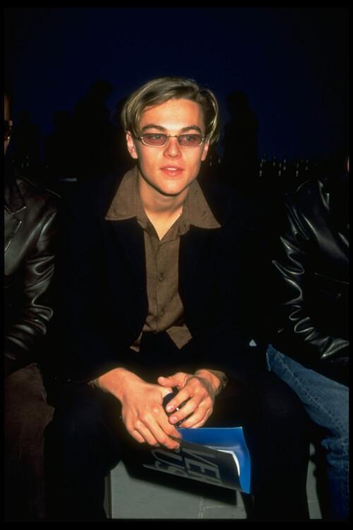 Леонардо Ди Каприо на показе Gianni Versace Versus, 1997