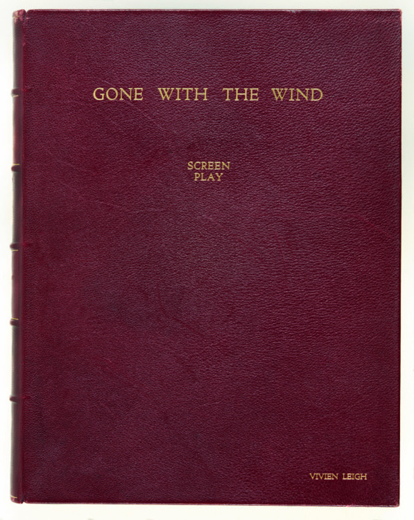 Сценарий фильма «Унесенные ветром» с фотографиями актеров, примерно 1939 год. Заявленная стоимость £ 2,500-3,500