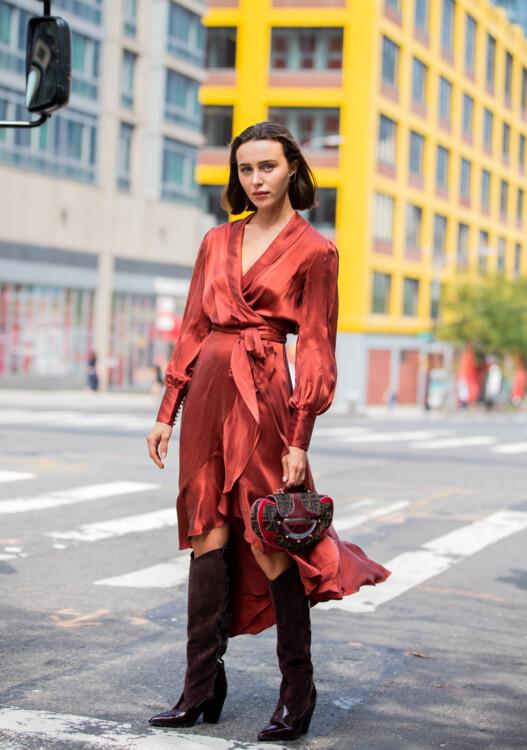 Как носить платья с запахом стритстайл фото примеры осень 2020 фото