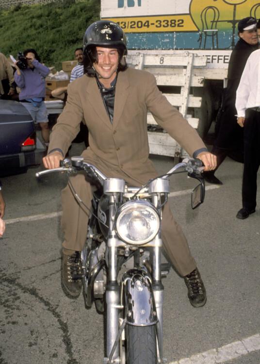 Кіану Рівз під час 8-ї щорічної премії IFP / West Independent Spirit Awards, 1993