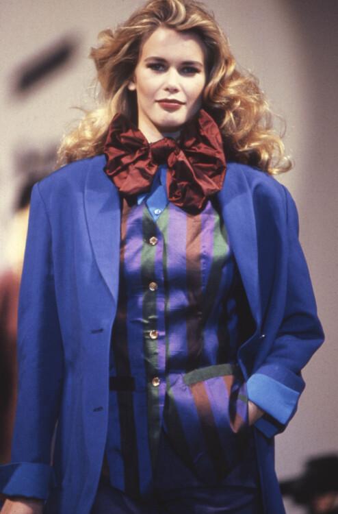Клаудиа Шиффер во время показа Daniel Hechter весна-лето 1992