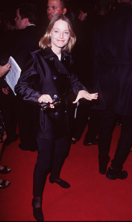 """Джоди Фостер на премьере фильма """"Ночи в стиле буги"""", 1997 год"""