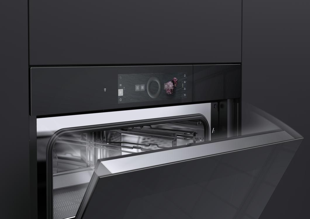 Приборы Excellence Line с функцией AutoDoor открывают и закрывают дверцу одним прикосновением к дисплею TouchDisplay