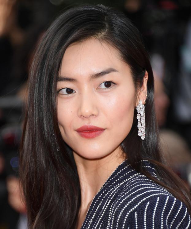 Лю Вэнь, Серьги из коллекции High Jewellery by Chopard (бриллианты)