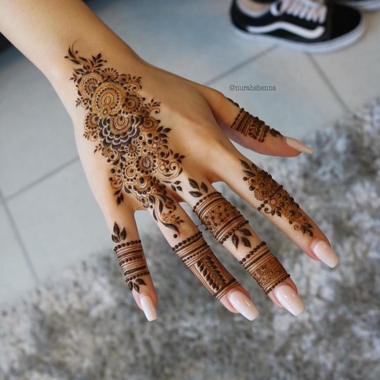 @henna_nurahshenna