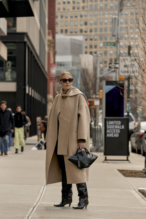 С чем носить бежевое пальто этой осенью 2020 стритстайл фото фото