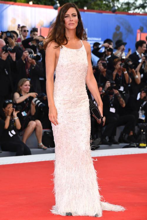 Анна Муглалис в Chanel