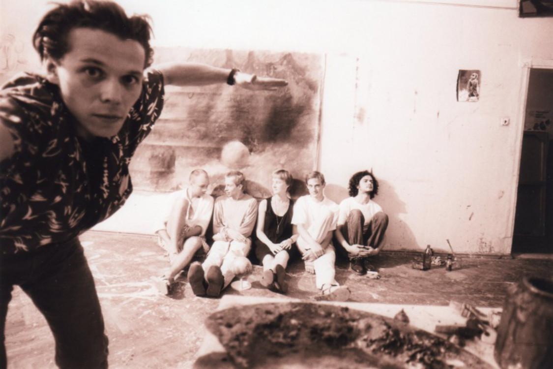 На фото: Александр Друганов, Максим Мамсиков, Олег Голосий, Рут Макленнан, Юрий Соломко, Павел Керестей, 1992 год