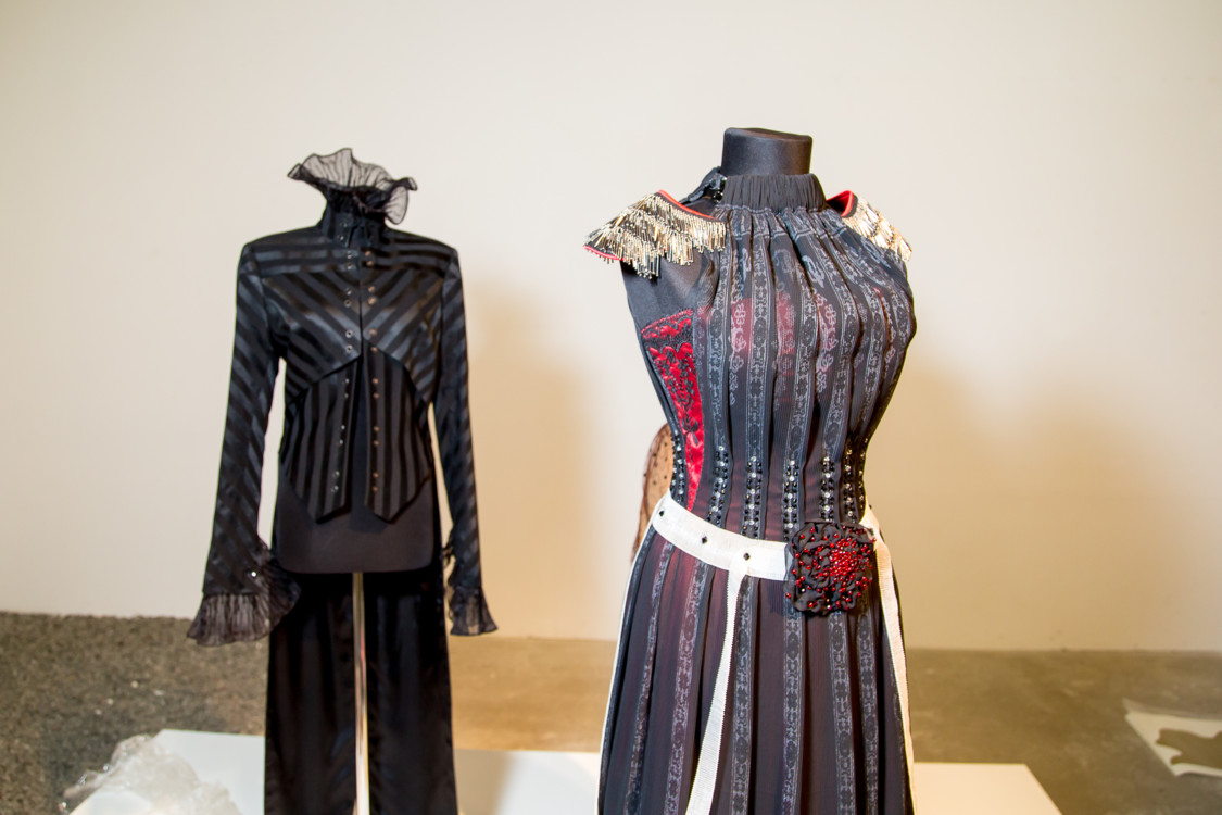 Александр Васильев. Famale Jacket, 2003 и Vintage dress, 2008