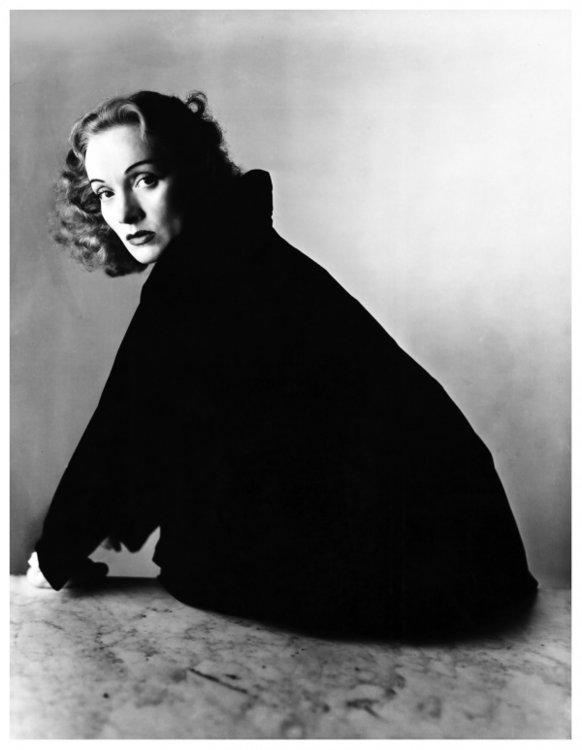 Марлен Дитрих, 1947