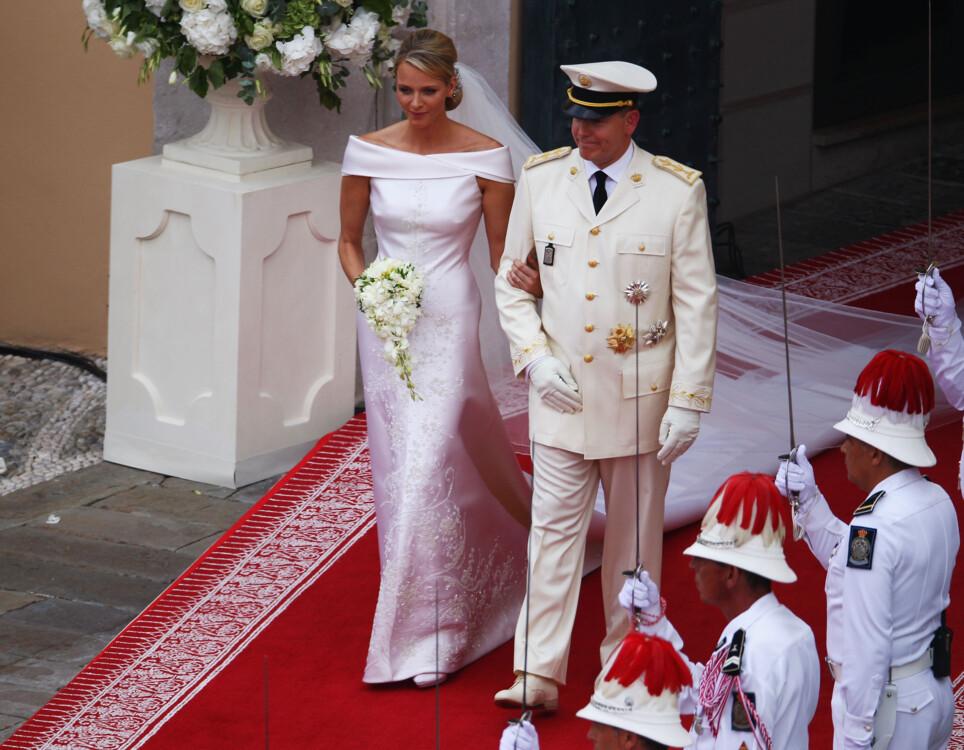 Шарлен,княгиня Монако в Giogio Armani