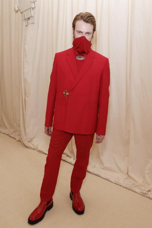 Фіннеас О'Коннелл у Givenchy