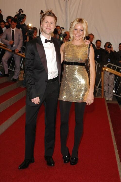 Кристофер Бэйли и Сиена Миллер в Burberry, MET Gala 2006