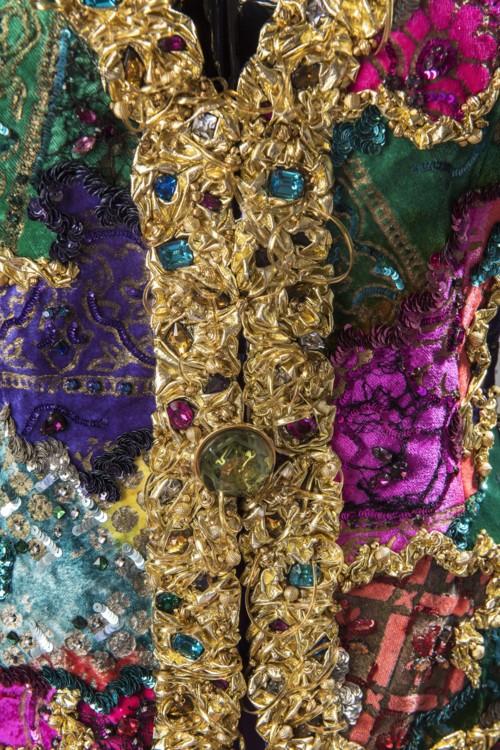 Деталь вечернего ансамбля: вышитый жилет с эффектом пэчворк и брюки из атласа шармёз,  1992