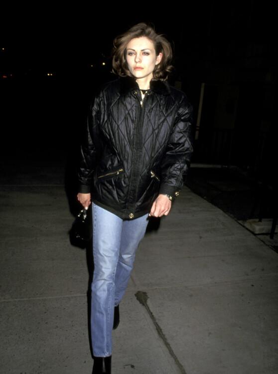 Элизабет Херли в Нью-Йорке, 1996
