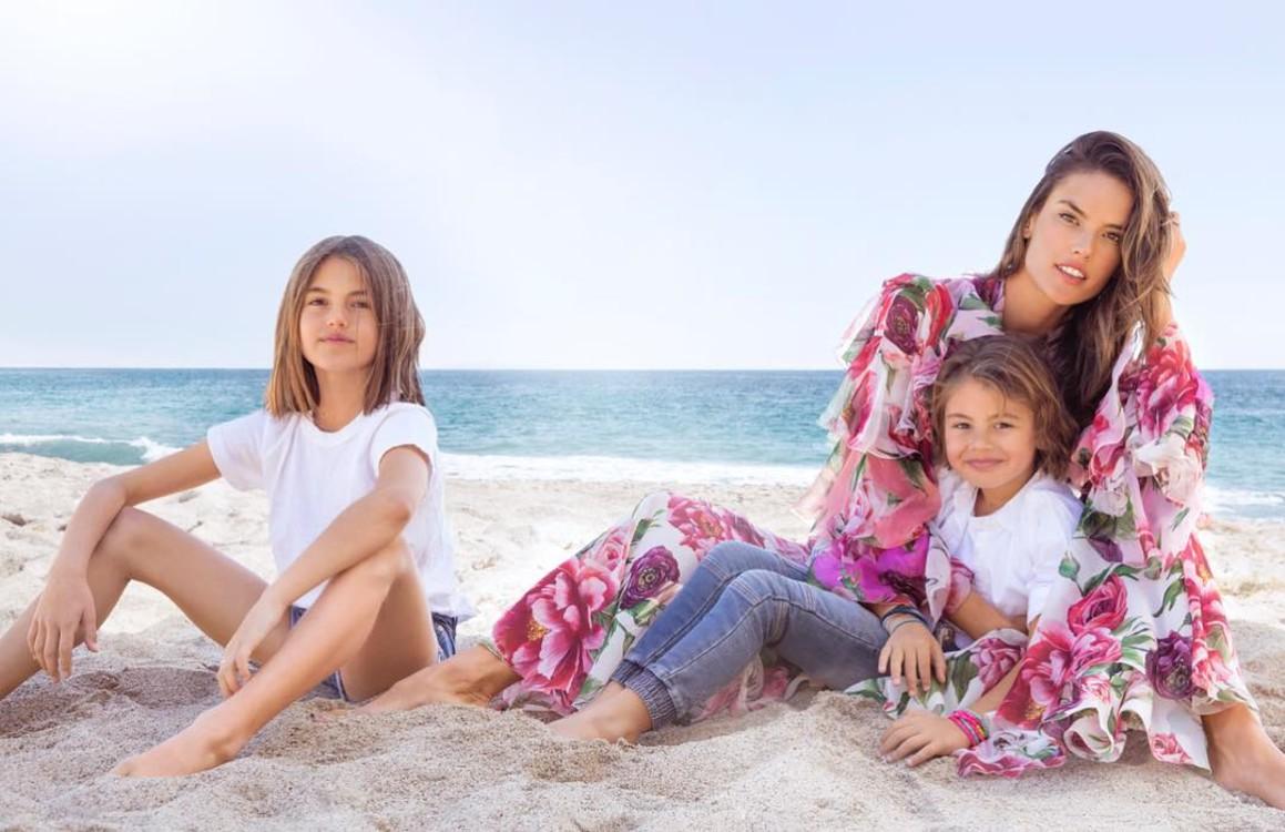 Алессандра Амбросио с сыном Ноа и дочерью Аней (фото: Instagram @alessandraambrosio)