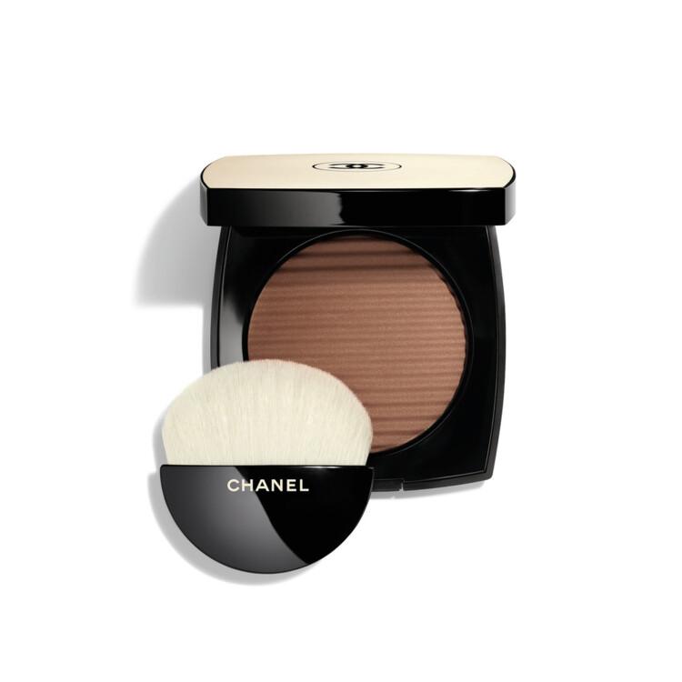 Пудра с эффектом естественного сияния кожи Les Beiges Healthy Glow Luminous Color оттенка Deep, Chanel