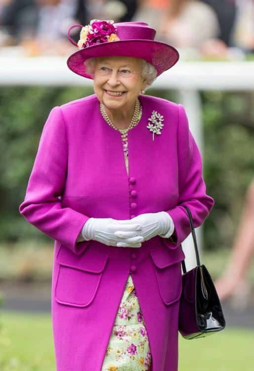 Вона вважає королеву Єлизавету іконою стилю