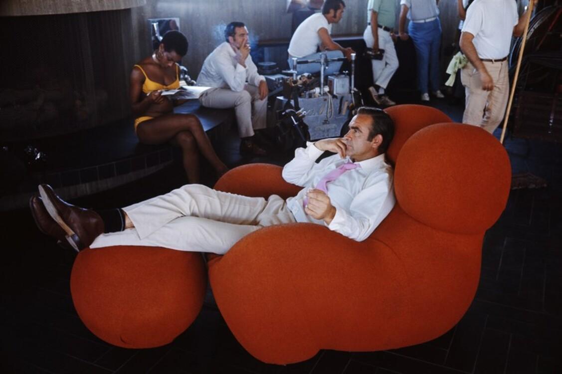 Шон Коннери во время съемок фильма «Бриллианты навсегда», 1969
