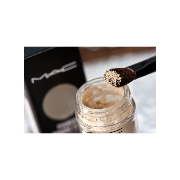 MAC Pigment, Naked